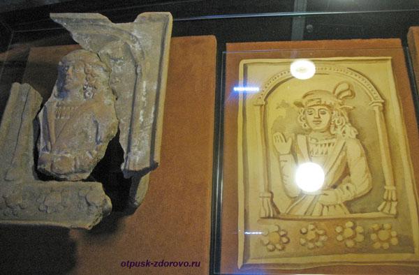 Музей Каменецкая башня, изразцы