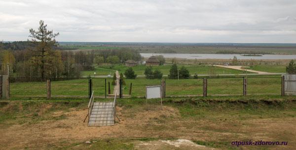 Вид от Коссовского замка - Дворца Пусловских, Коссово, Беларусь