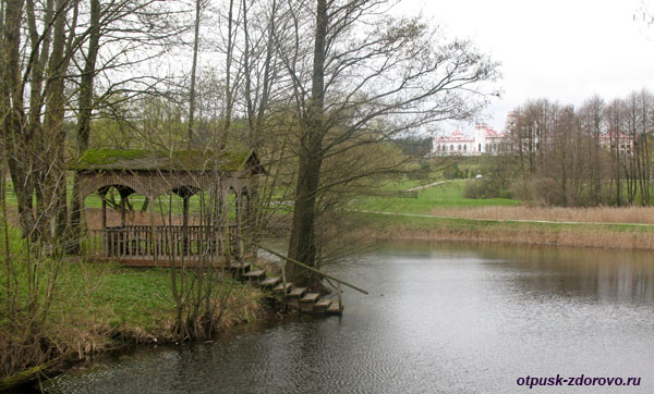 Беседка на озере Любви, Коссовский замок - Дворец Пусловских, Коссово, Беларусь