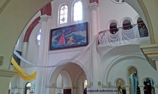 Красный костел Святых Симеона и Елены, Минск, Беларусь