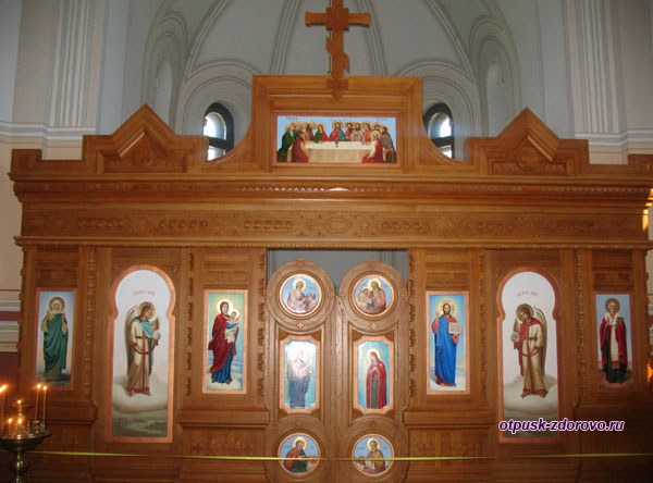 Иконостас в часовне святого Николая Чудотворца, Мирский замок, Мир, Беларусь