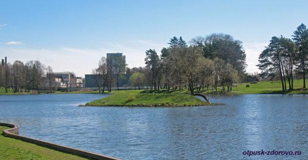 Озеро или замковый пруд, Мирский замок, Мир, Беларусь