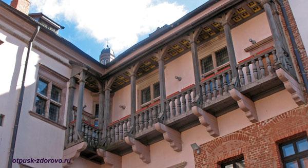 Балкон во внутреннем дворе, Мирский замок, Мир, Беларусь