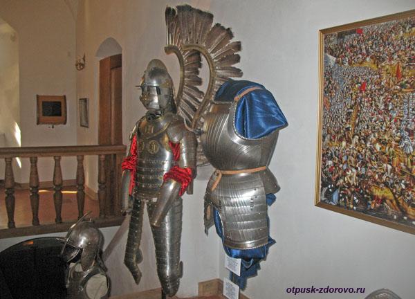Доспехи рыцаря с крыльями, Мирский замок, Мир, Беларусь