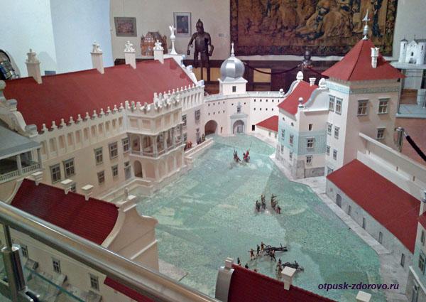 Макет старого замка в Гродно находится в Мирском замке, Мир, Беларусь