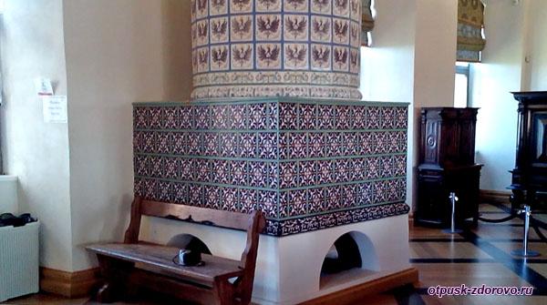Печь в столовом зале, Мирский замок, Мир, Беларусь