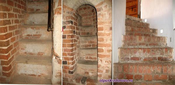 Каменные лестницы и переходы, Мирский замок, Мир, Беларусь