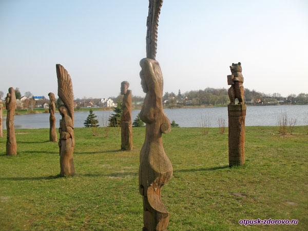 Парк деревянных скульптур, Достопримечательности, Несвиж, Беларусь