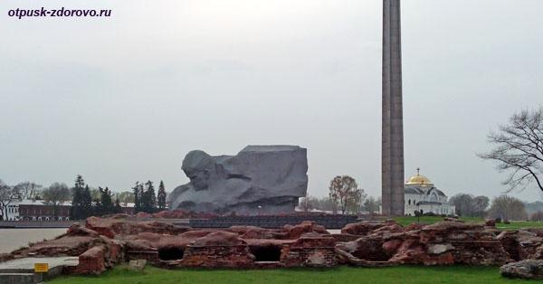Монумент Мужество, Штык, храм. Мемориал-памятник Оборона Брестской Крепости, Беларусь