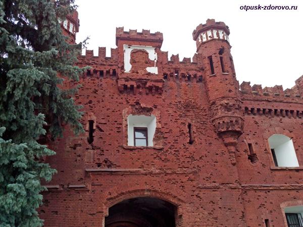 Холмские ворота. Мемориал-памятник Оборона Брестской Крепости, Беларусь