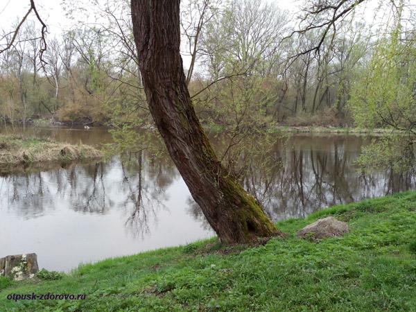 Слияния рек Мухавец и Западный Буг. Мемориал-памятник Оборона Брестской Крепости, Беларусь
