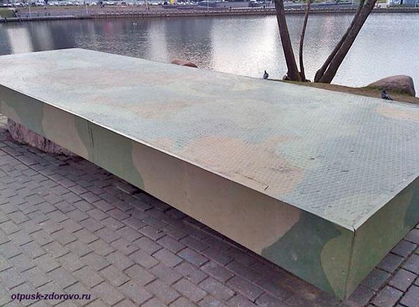 Поминальный стол, Остров Слез, Минск, Беларусь