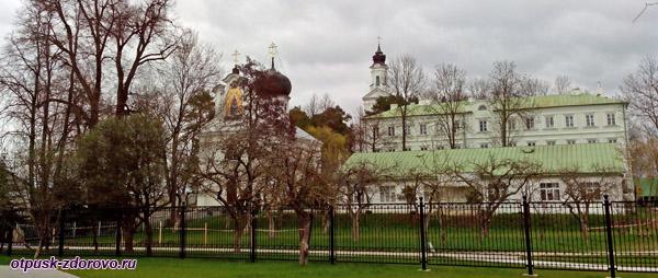 Явленская и Крестовоздвиженская церкви, Свято-Успенский Жировичский монастырь, Жировичи, Беларусь