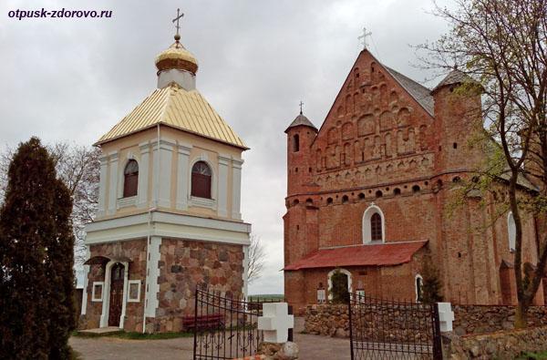 Сынковичи. Церковь святого архангела Михаила и колокольня