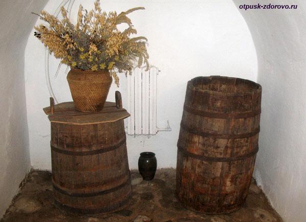 В подвале дома Тадеуша Костюшко в Коссово, Беларусь