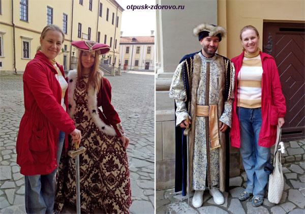 Фото в средневековых костюмах в Несвижском Замке, Беларусь
