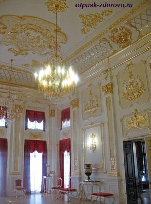 Золотой зал в замке Радзивиллов в Несвиже, Беларусь