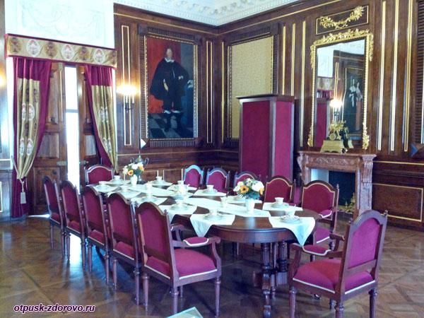 Столовый зал в Замке Радзивиллов в Несвиже, Беларусь