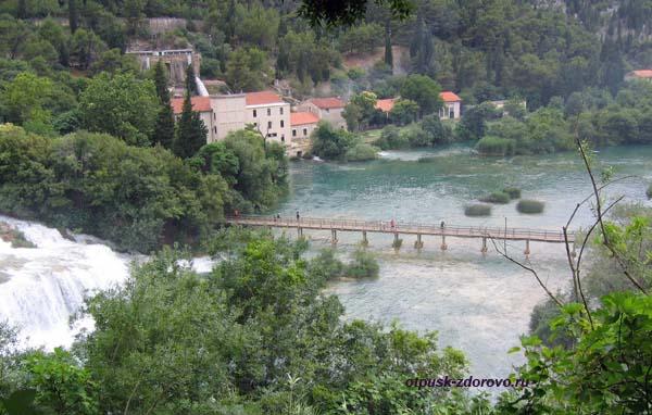Национальный парк Крка. Хорватия. Водопады и мост
