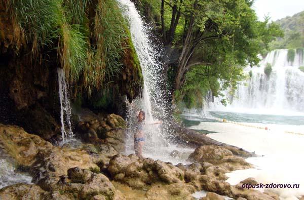 Национальный парк Крка. Купание в водопаде