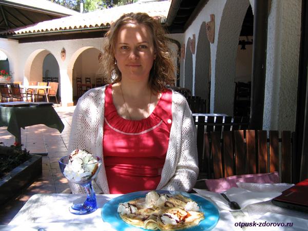 Хорватия, Пореч, Зеленая Лагуна, кафе Korta Корта, мороженое и блины блинчики