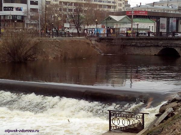 Екатеринбург, каменный мост