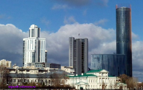 Екатеринбург, небоскреб Исеть