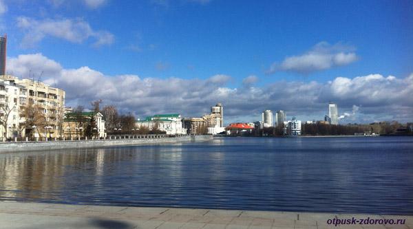 Екатеринбург, достопримечательности города, набережная