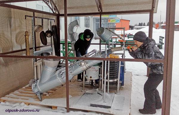 Музыкальные инструменты из подручных средств, Музей Мусора в Калужской области