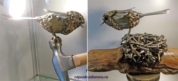 Птички-металлички, Музей МуМу в Калужской области