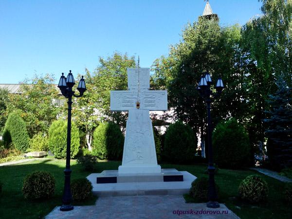 Пафнутьевский монастырь в Боровске, кладбище