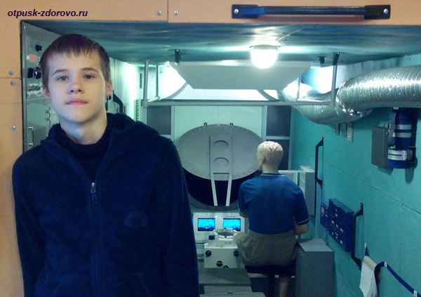 Внутри макета орбитальной станции Мир, музей Космонавтики в Калуге