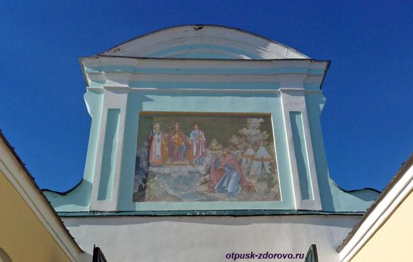 Чудесное Исцеление мурзы Чета Божьей Матерью, фреска над Святыми вратами в Ипатьевском монастыре, Кострома