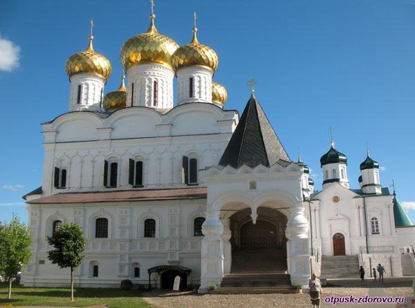 Троицкий собор Ипатьевского монастыря, Кострома