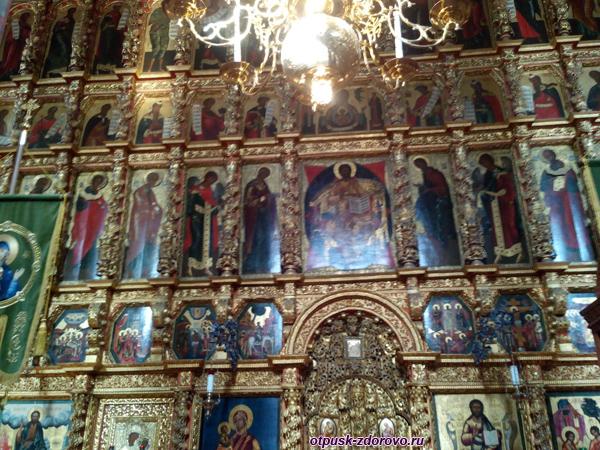 Иконостас Троицкого собора в Ипатьевском монастыре, Кострома
