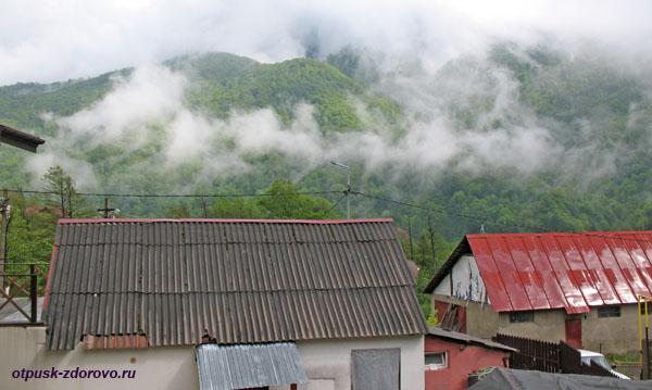 Горы и облака, проживание в Красной Поляне