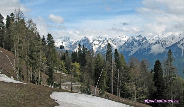 Красная Поляна, горные склоны в мае