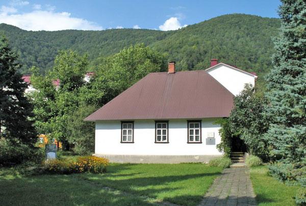 Дом-музей Антона Хансена Таммсааре, Красная Поляна