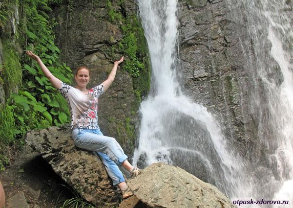У водопада Кейва, Сочи