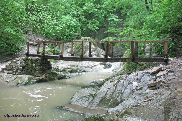 Мост возле первого Агурского водопада, Сочи