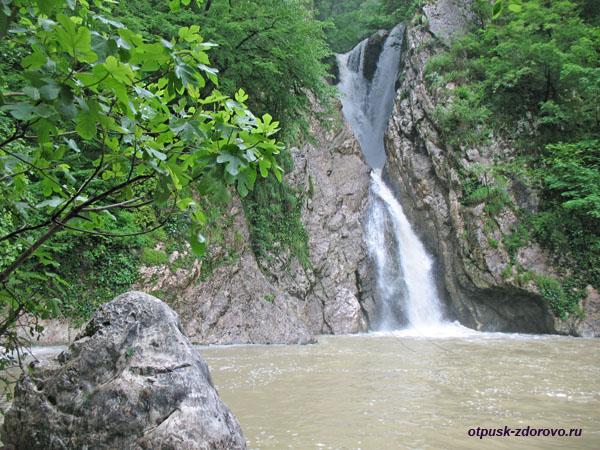 Агурский водопад, Сочи