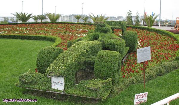 Ландшафтная композиция Гоночный болид, возле Музея спортивных автомобилей, Сочи