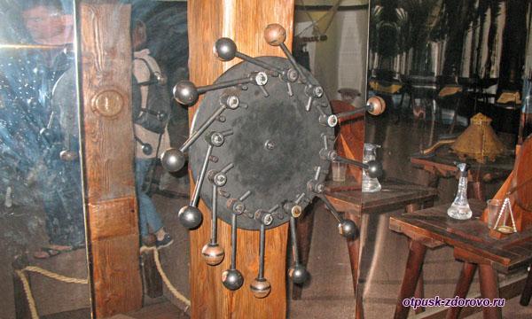 Макет вечного двигателя Леонардо да Винчи