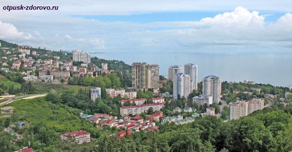 Город Сочи, вид со смотровой площадки дендрария