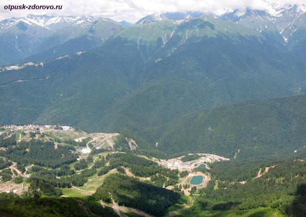 Панорамный вид на Роза Хутор с вершины Роза Пик