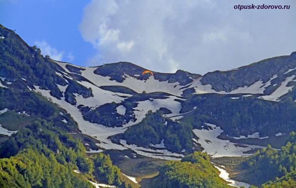 Параплан над снежными вершинами, Роза Пик-2320