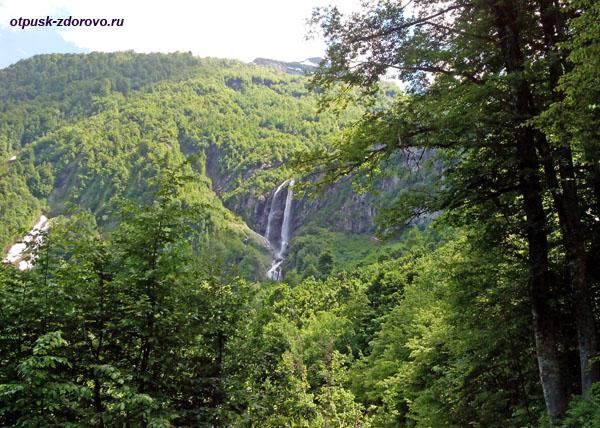 Водопад Поликария