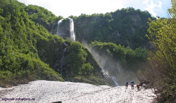 Природный красавец - Водопад Поликаря