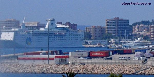 Порт, бухта Пальма-де-Майорка, достопримечательности