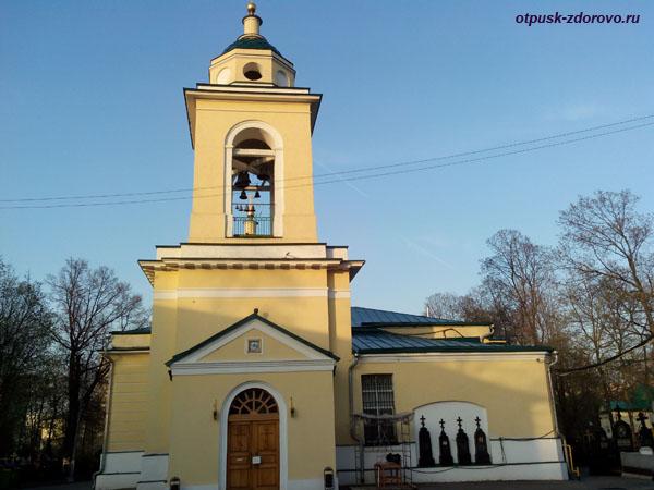 Даниловское кладбище, Духовская церковь